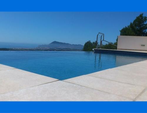 Unifamiliar con piscina infinity  en El Paradiso, Altea I
